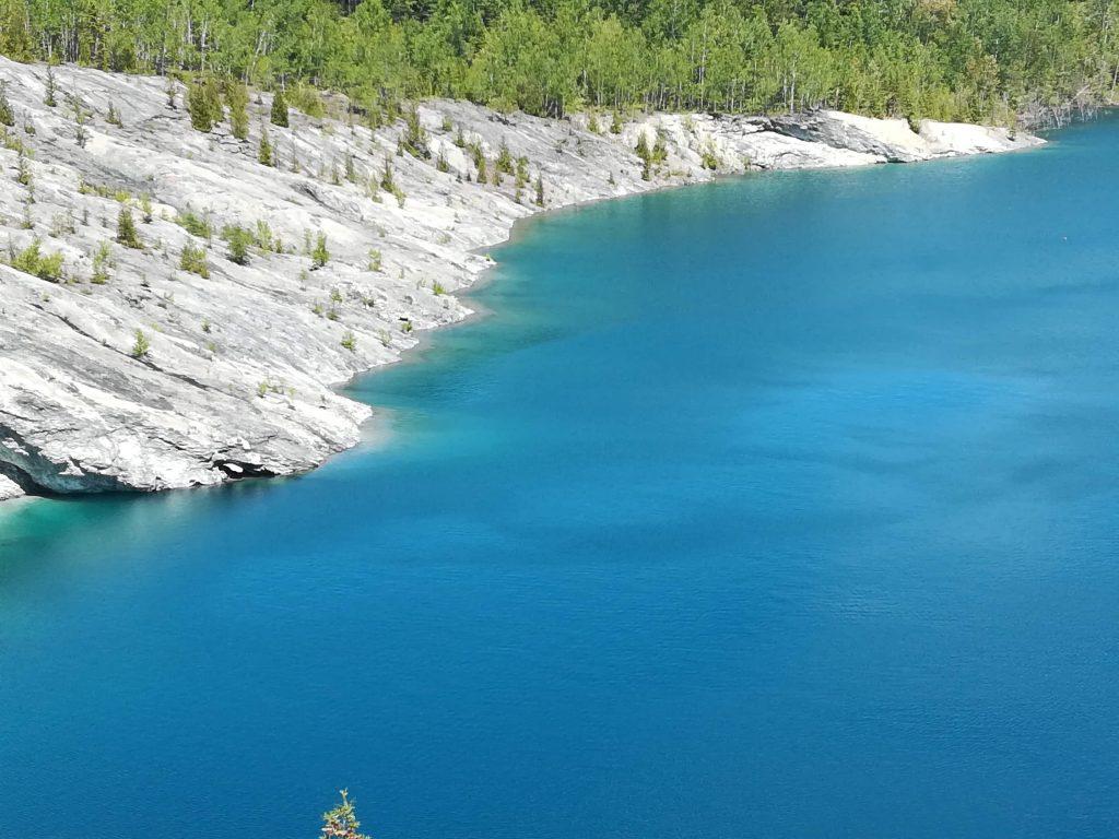 Carey Lake, Sentiers des Mineurs